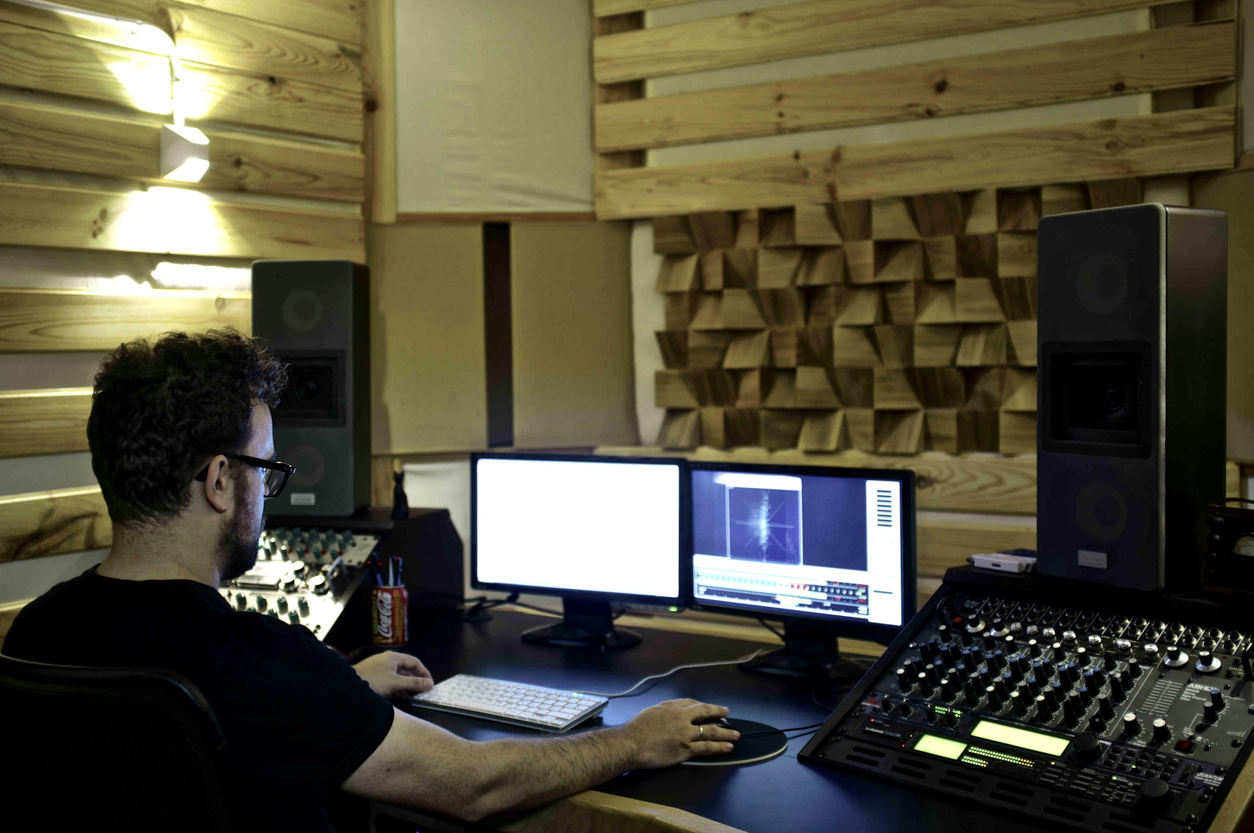 en Vacuum artinCom entrevista Javier Roldon